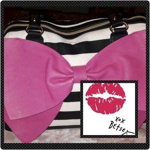 Darling Betsy Johnson b&w stripped bag